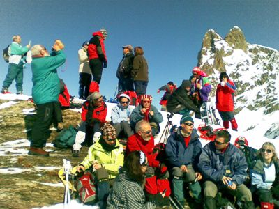 Lunching (and drinking) on the summit of Pic l´Iou