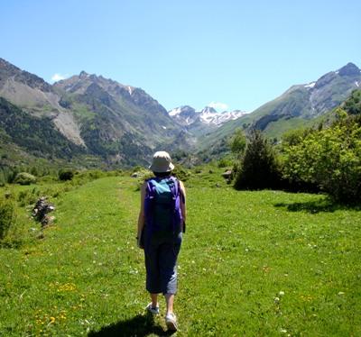 Walking into the valley of La Ripera