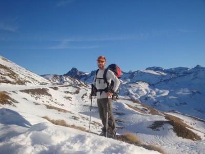 Fabien snowshoeing near Astun