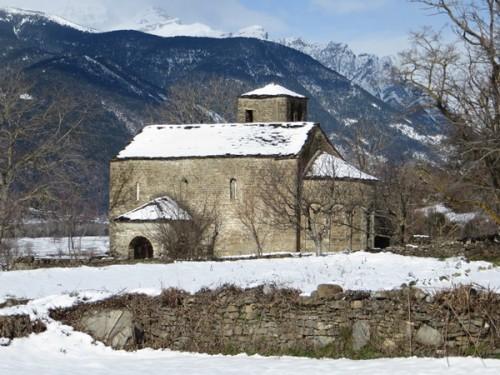 Santa Eulalia church in Oros Bajo