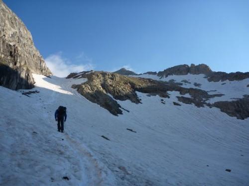 Hike Pyrenees Pico Posets -001