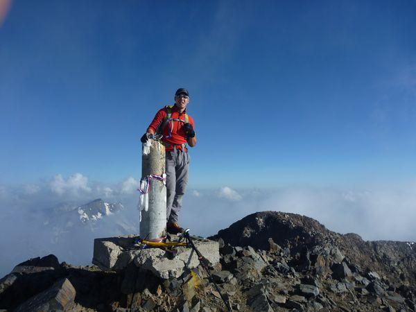 Hike Pyrenees Pico Posets -002
