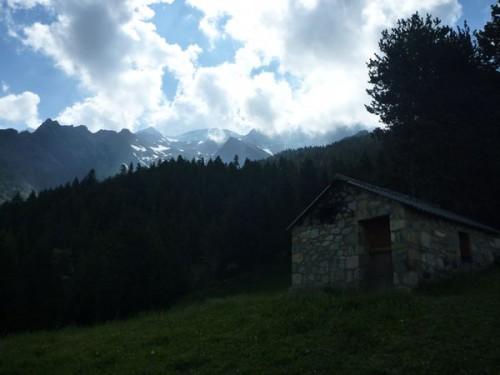 Hike Pyrenees Pico Posets -004