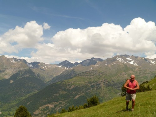 Enjoying the views from the slopes of Collado del Pacino