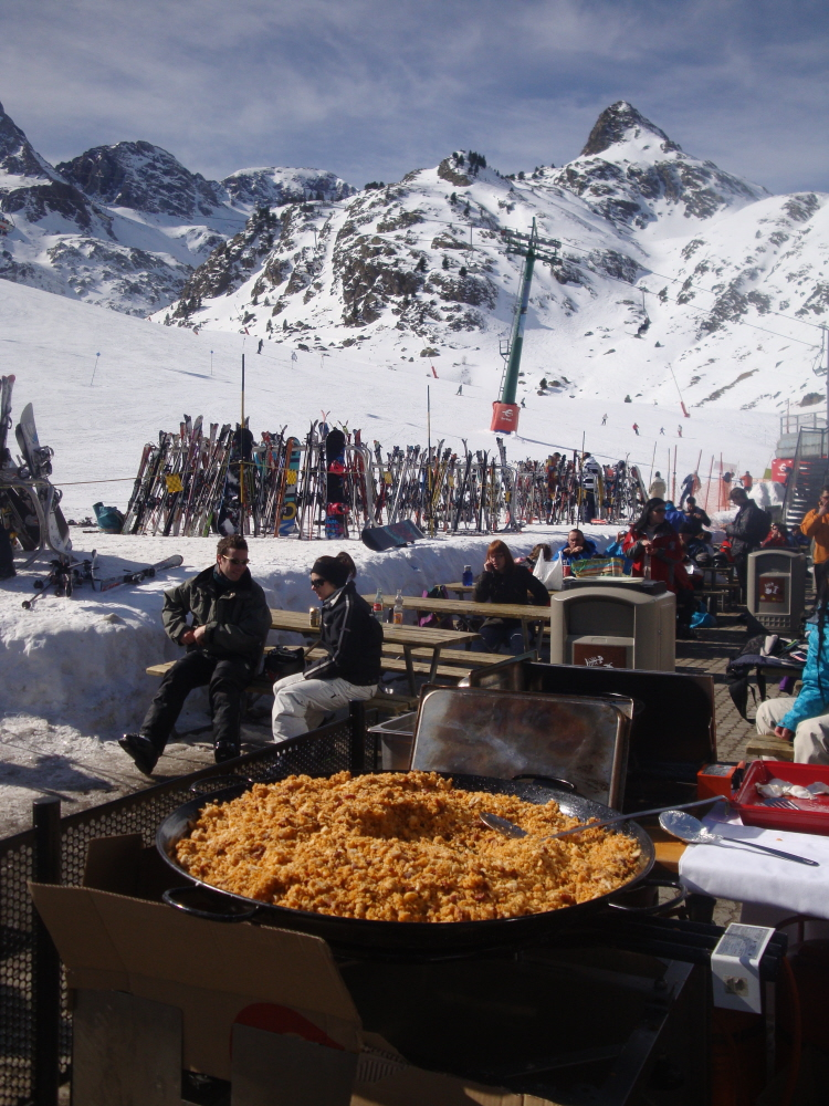 Lunch on the pistes Spanish style