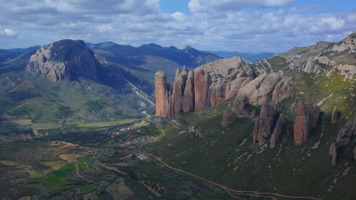 Overview of Mallos de Riglos