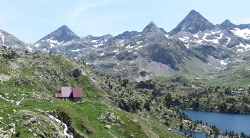 GR11-Hike-Pyrenees-Refugio-Respomuso