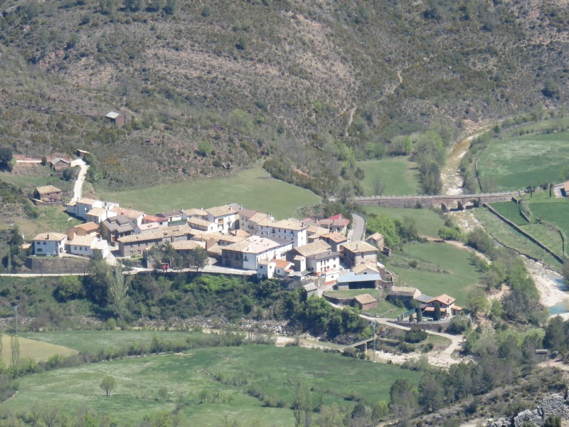 Villalangua village, our departure and arrival point for this hike