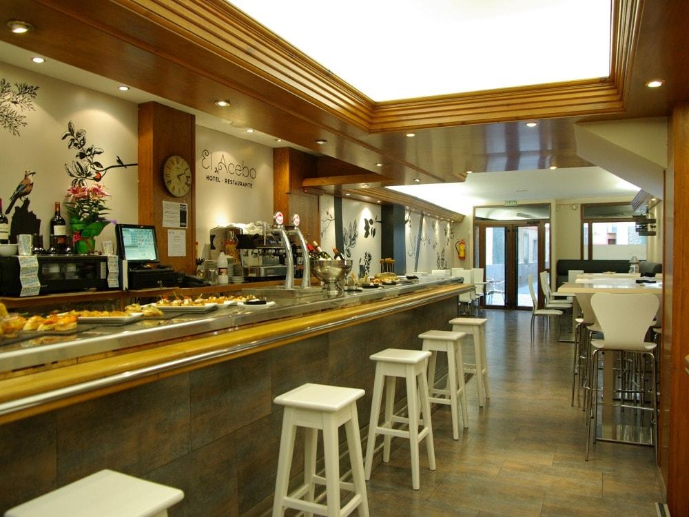 El Acebo cafeteria min
