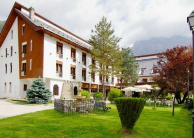 Hotel Ordesa garden