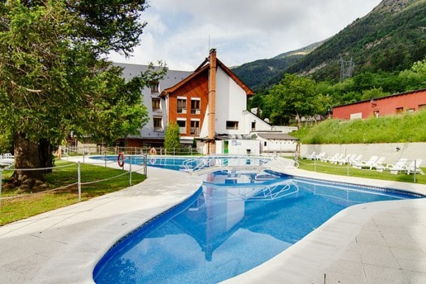 Hotel Ordesa outdoor pool
