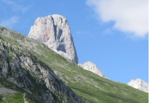Naranjo de Bulnes peak