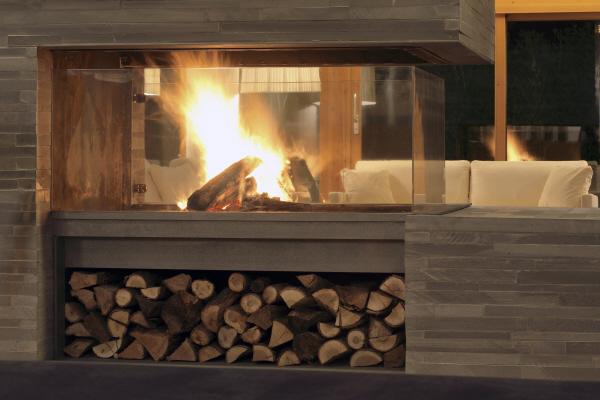 Hotel Tierra de Biescas fireplace