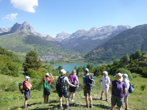 Ramblers group in Valle de Tena