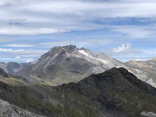 Vignemale and the biggest glacier in the Pyrenees