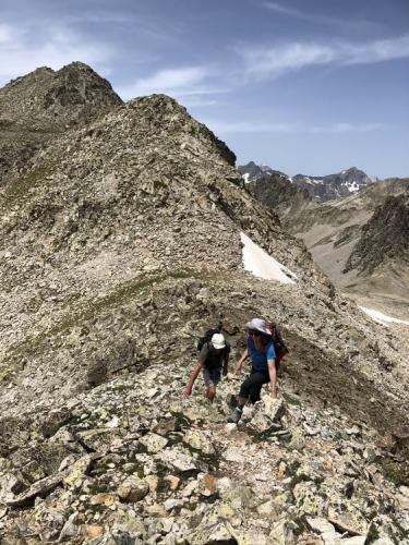 On the summit ridge of Bacias