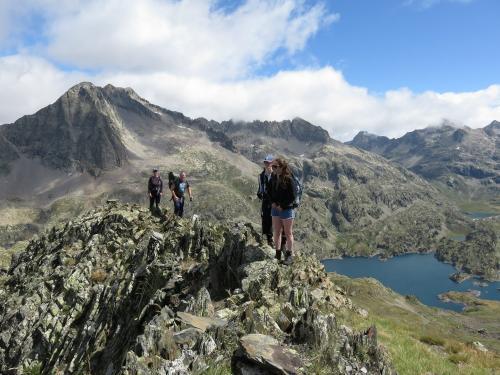Refugio-hiking-Pyrenees-min
